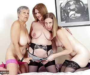 SammieSlut-Lesbo 3 Some Pictures