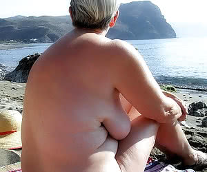 Chubby mature nudist women with a floppy tits