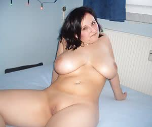 Sexy chubby blonde bitch ahare her private photos galery