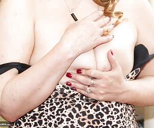 Hello Boys Christina here and Im feeling really sexy today in my Leopard Print Dress with matching leopard print Knicker