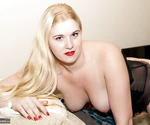 Hi Guys let me introduce Mona Summers a Hot  Horny young Girl from Holland and when I heard she was coming over here to