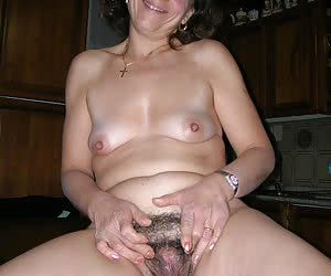 Natural Hairy Pussy