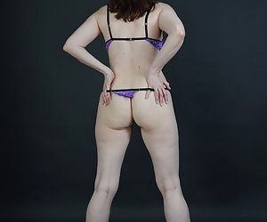 Yes my photographer wanted to see sometimes something else than a normal bra.So my Purple tits lifting drawn and the tit