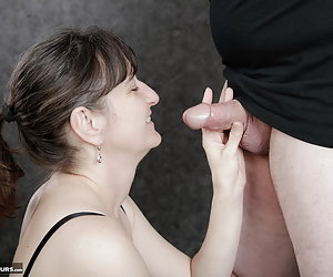 Yes what I love.A hot cock in my mouth I can spoil Loving.And my reward comes.Cum in my mouth ...So delicious.