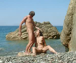 Real amateur exhibitionists showing their bodies