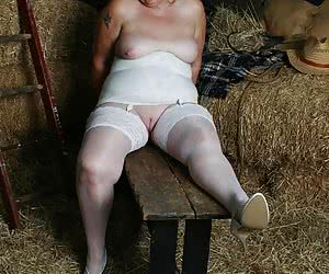 I know a lot of you like girdles and stockings, so this is for you with love- stay hard guyz xx