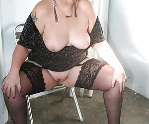 I know how much you all love black stockings, so here's some of my fave pics...just for you.