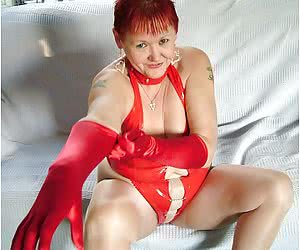 I was sent this fab red pvc body by a fan, and just had to get it on and show him some pics.